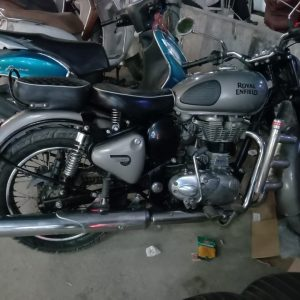 second hand 2017 Royal Enfield Gun Metal Grey 350cc - MotorBhai